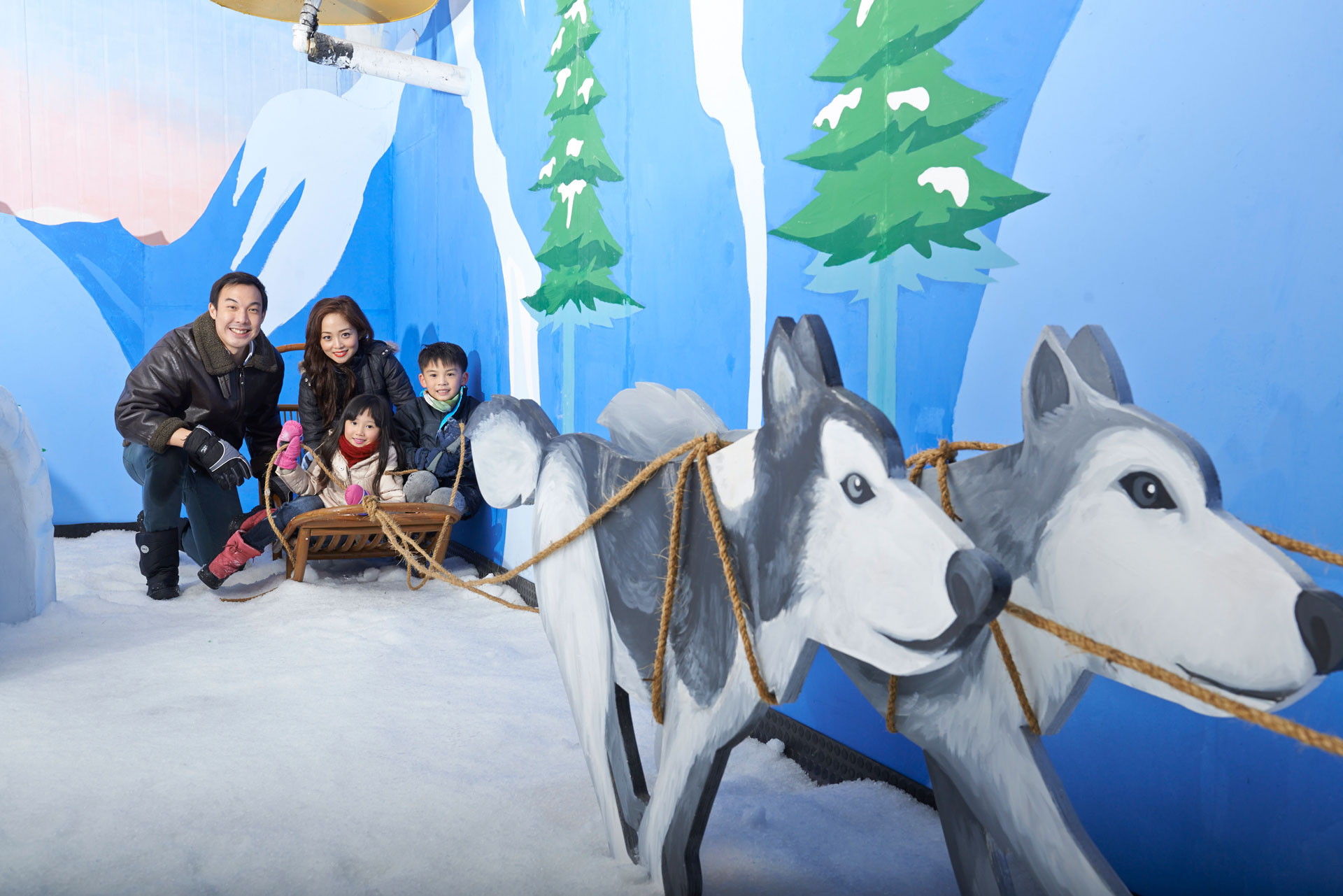 Inuits-Home-Dog-Sleigh